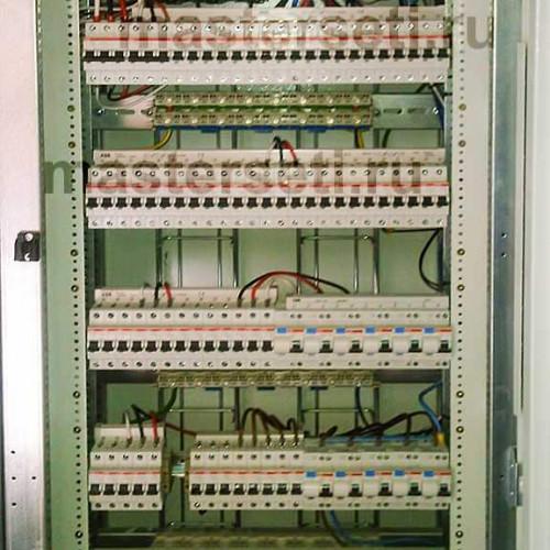 Панель со снятыми пластронами