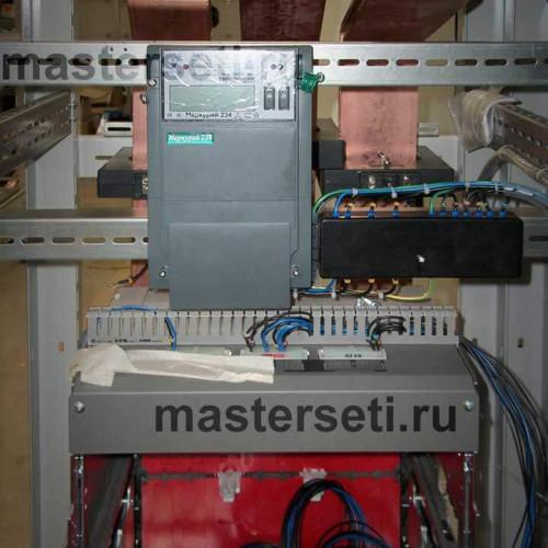 Вводная панель с установленной корзиной вводного автомата