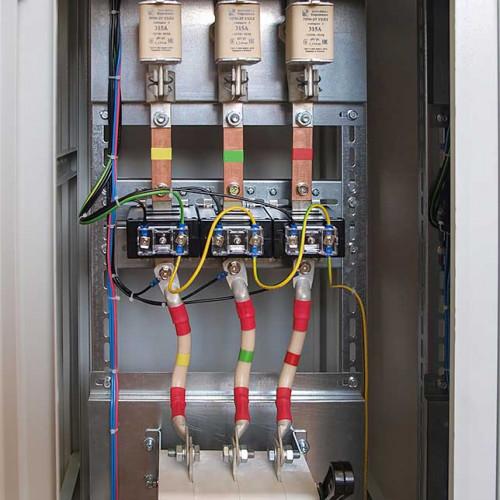 Вводная панель. Трансформаторы тока, рубильник, плавкие вставки