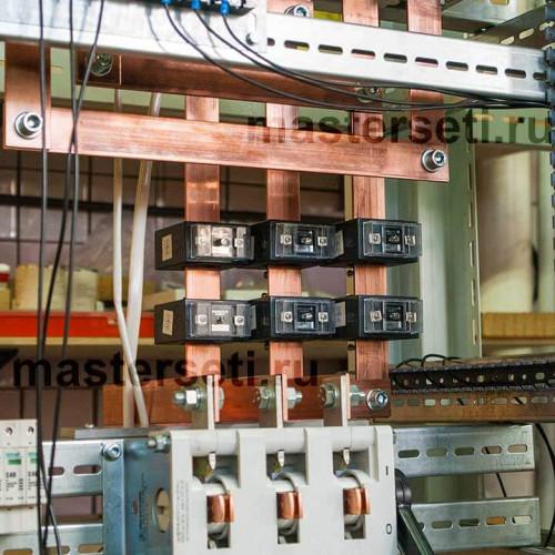 Вводная панель. Рубильник для обеспечения видимого разрыва электропитания